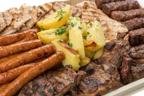Platoul cald mix grill